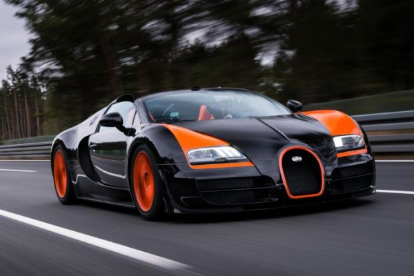 bugatti veyron sets new speed record turbo zone. Black Bedroom Furniture Sets. Home Design Ideas